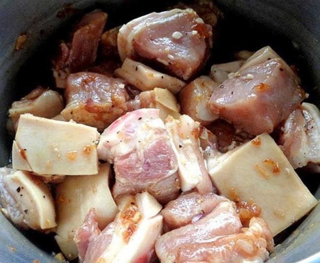 Quá trình sơ chế thịt.